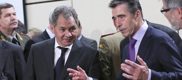 New defense minister continues dialogue with NATO