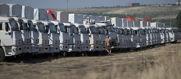Aid convoy to Ukraine and Medvedev's hacked Twitter in the media spotlight